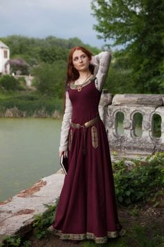 """Armstreet Medieval Dress Green Sleeves Medieval wool dress """"Greensleeves"""" with attached sleeves, wide scoop neckline and floor-length skirt can be made to measure. Costume Renaissance, Medieval Costume, Renaissance Dresses, Celtic Costume, Woolen Dresses, Women's Dresses, Wool Dress, Linen Dresses, Medieval Fashion"""