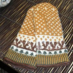 squirrely mittens by christerrock, via Flickr  free pattern