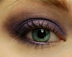 AMETHYST Mineral Eyeshadow/ Such a beautiful color:)