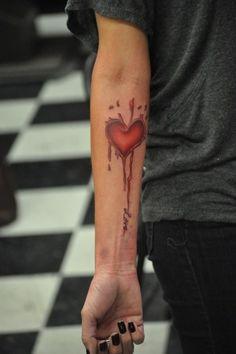 heart tattoo Arte tattoo Arte Tattoo - Fotos e Ideias para Tatuagens Time Tattoos, Body Art Tattoos, New Tattoos, Sleeve Tattoos, Cool Tattoos, Tatoos, Random Tattoos, Crazy Tattoos, Finger Tattoo Designs