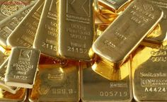 Gold Brushes Seven-Week High On Weak Dollar After Trump Briefing