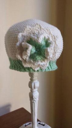 Big flower Big Flowers, Crochet Hats, Beanie, Knitting Hats, Beanies, Beret