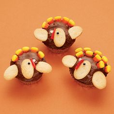Tom Turkey Cupcakes For Thanksgiving