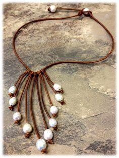 De cuero y collar de perlas de agua dulce NahmFon por AdiDesigns