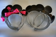 Mickey and Minnie Mouse ears instead of party hats.