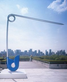 "Claes Oldenburg & Coosje Van Bruggen -""Corridor Pin, Blue,"" Stainless steel and aluminum painted with polyurethane enamel, edition 21 ft. x 21 ft. x 1 ft. Claes Oldenburg, Andy Warhol, Art Environnemental, Art Public, Roy Lichtenstein, Art Sculpture, Arte Pop, Parcs, Keith Haring"
