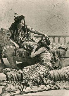 Sarah Bernhardt in Cleopatra,1890