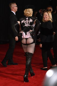 Образ дня: Мадонна в Givenchy Haute Couture | Стиль звезд | Мода | Журнал Cosmopolitan