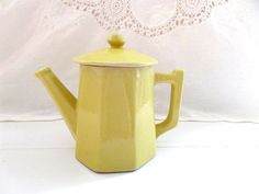 GO PENTYOFAMELIE.com - french vintage Yellow coffee pot faceted
