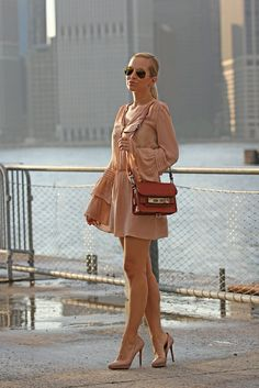 @BrooklynBlonde rocking out in nude #Love