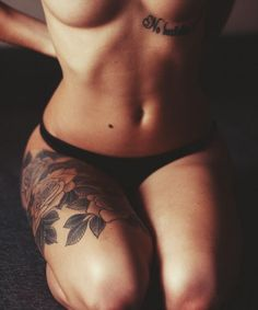 thigh tattoo>>