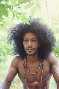 Ladies what do you think of this black prince Gorgeous Black Men, Handsome Black Men, Beautiful Men, Beautiful People, Curly Hair Men, Curly Hair Styles, Natural Hair Styles, Men's Hair, Black Men Hairstyles