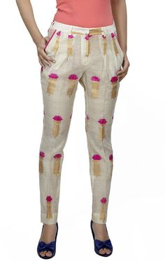 the cool pleated pants on chanderi. Mix interesting fabrics on unconventional patterns.An info western off white paint with gold and candy pink Indo-Western Fashion Trends You Should Definitely Try This Diwali Kurta Designs Women, Salwar Designs, Kurti Designs Party Wear, Dress Neck Designs, Designs For Dresses, Blouse Designs, Fashion Pants, Fashion Outfits, Dope Fashion
