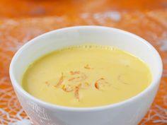 Cremige Kürbissuppe ist ein Rezept mit frischen Zutaten aus der Kategorie Gemüsesuppe. Probieren Sie dieses und weitere Rezepte von EAT SMARTER!
