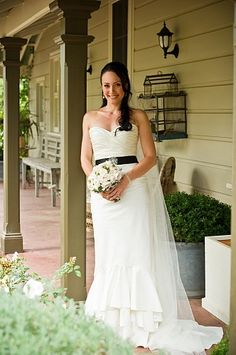 KAREN WILLIS HOLMES - Real Bride - Wedding dress - Roberta