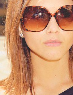 Love these glasses Alexandra Chando is awesome! Alexandra Chando, Short Medium Length Hair, The Lying Game, Golden Goddess, Fashion Quotes, Sunglasses, Sunnies, Hair Lengths, Her Hair