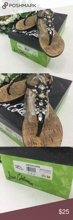 Sam Edelman Black Jeweled Thong Sandals Size 6.5m Sam Edelman Black Jeweled Thong Sandals Size 6.5m With Box  •Comes with original box •Size 6.5m •Tan bottoms with black leather and silver jewels •The jewels on the right shoe are coming off but caneasily bestitched back on •Otherwise greatcondition SMOKE FREE HOME Sam Edelman Shoes Sandals