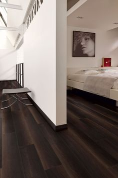 Your basement flooring options are not really any different from the flooring options elsewhere in your home. Vinyl Flooring Uk, Basement Flooring Options, Soft Flooring, Wood Laminate Flooring, Parquet Flooring, Floor Design, House Design, Bedroom Flooring, Modern Bedroom