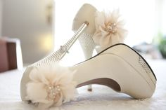 Wedding shoes. Ring