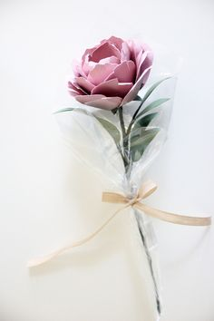 Single Flower Bouquet — Handmade by Sara Kim Single Flower Bouquet, Single Flowers, How To Wrap Flowers, Boquet, More Pictures, Colorful Flowers, Paper Flowers, Projects To Try, Gift Wrapping