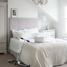 Black and white bedroom ideas | Floral bedroom, Bedrooms and Small ...