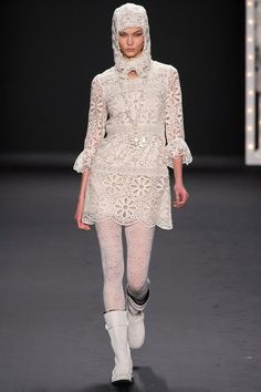 See the complete Anna Sui Fall 2013 Ready-to-Wear collection.