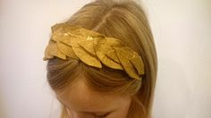 Make your own roman wreath headdress to finish off a roman costume fit for an Empress by Sew What's New