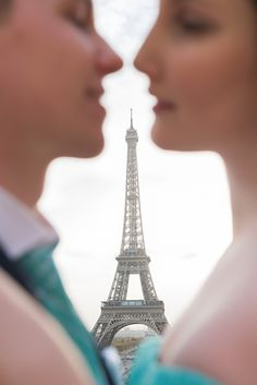 A collection of Paris engagement photos taken in various locations around the city. Get inspired with pictures from Eiffel Tower, the Louvre and more. Eiffel Tower Location, Paris Eiffel Tower, Paris Photography, Couple Photography, Paris Engagement Photos, Paris Wallpaper, Girls Love Travel, Couple Romance, Paris Wedding