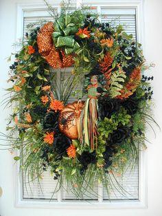 Halloween Wreath Witch Wreath Decoration Green Black Orange Glittered Ferns Crow Pumpkin Spider Custom Design Elegant Hanging Door Wreath