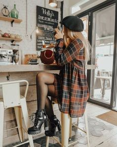 20 Edgy Fall Street Style 2018 Outfits To Copy Casual Fall Fashion Trends & Outfits 2018 The post 20 Edgy Fall Street Style 2018 Outfits To Copy & Women's Fashion. appeared first on Fall outfits . Autumn Fashion Casual, Fall Fashion Trends, Autumn Winter Fashion, Fashion Ideas, Autumn Aesthetic Fashion, Fall Fashion 2018, Fall Trends, Spring Fashion, Fall Grunge Fashion