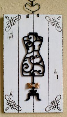 Placa Manequim 12x20cm em pátina provençal