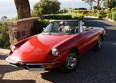 """#Sprintage : #ALFAROMEO #DUETTO #SPIDER 1300 JUNIOR 1971  This particular model of Duetto, the """"Duetto Junior"""", is a perfect example of a match made in heaven: design and performance, typical of Alfa Romeo. Pininfarina has designed one of the most beautiful and futuristic spiders ever produced. The mechanics of Alfa Romeo have adapted the mechanical aspects of the previous series to this car, typical of the '70s. A really nice car, easy and delightful to drive!!"""