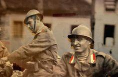 L'immagine evidenzia il colore delle mostrine della Brigata Sassari, protagonista degli scontri nel settore di fronte Monte Fior-Monte Zebio.