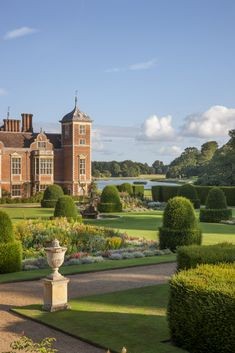 National Trust Houses: Blickling Hall is a fascinating 17th-century manor house…