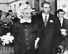 Monroe and DiMaggio are all smiles after their San Francisco City Hall ceremony.