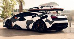 Camouflage Ski Transporter Lamborghini Gallardo LP560
