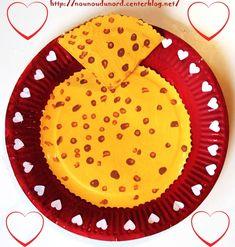 Lison 3ans1/2 a réalisé des crêpes avec des assiettes en carton pour fêter la chandeleur http://nounoudunord.centerblog.net/1012-crepes-en-assiettes-cartons-pour-la-chandeleur