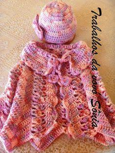 Trabalhos da vovó Sônia: Conjunto infantil capinha e gorro - crochê