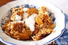 clean eating peach breakfast crisp    thenakedkitchen.com
