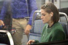 "First Trailer for Olivier Assayas's film ""Personal Shopper"" starring Kristen Stewart / Kristen Stewart主演の映画「Personal Shopper」の予告編が公開された。監督はOlivier Assayas。"