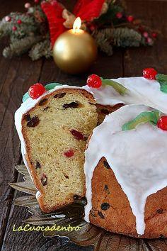 Julekage, torta di Natale scandinava - La Cuoca Dentro Christmas Buffet, Christmas Bread, Christmas Kitchen, Christmas Baking, Christmas Time, Holiday, Christmas Cakes, Christmas Recipes, Merry Christmas