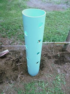 "17 Plants on One Square Foot of Land - I'm going to try this in my garden - 8"" pvc pipe that is 4' in length with 1 1/2"" holes; put 2"" pvc pipe with small holes inside large pipe for watering; bury it 12"" in ground"