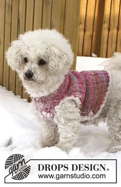 """Knitted DROPS dog's vest in """"Fabel"""" and """"Baby Merino"""" with edges in """"Symphony"""". Size XS - L."""