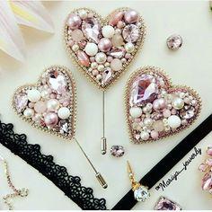 Автор @mariya_jewerly 〰〰〰〰〰〰〰〰〰〰〰〰〰〰 По всем вопросам обращайтесь к авторам изделий!!! #ручнаяработа #брошьизбисера #брошьручнойработы #вышивкабисером #мастер #бисер #handmade_prostor #handmadejewelry #brooch #beads #crystal #embroidery #swarovskicrystals #swarovski #купитьброшь #украшенияручнойработы #handmade #handemroidery #брошь #кольеручнойработы #кольеизбисера #браслеты #браслетручнойработы #сутажныеукрашения #сутаж #шибори #полимернаяглина #украшенияизполимернойглины