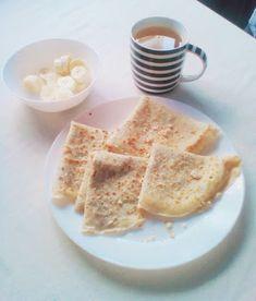Εύκολο μείγμα για κρέπες ●   Breakfast idea: crepes with chocolate, biscuits and banana.