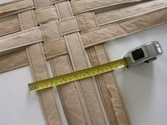 brown paper packaging in a delivery? This tutorial shows how to turn it into a woven paper basket. Burlap Crafts, Decor Crafts, Butcher Paper, Paper Packaging, Paper Basket, Kraft Paper, Crafts To Do, Basket Weaving, Recycling