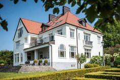 Mitt drömhus är till salu Helsingborg, Sims 4 Houses, Swedish House, Big Windows, Old Houses, My Dream Home, My House, Beautiful Homes, Home Deco