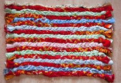 The Simplest Instructions for Making Rag Rugs