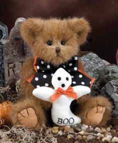 Beary Scary by Bearington [available at www.kozyclutter.com]