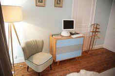 Vintage Chic Apple iMac in a Vintage Chic Bedroom